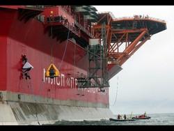 greenpeace-su-piattaforma-artica-gazprom_0edfd1a0-2045-11e3-b4cf-d88d872b5155_cougar_image